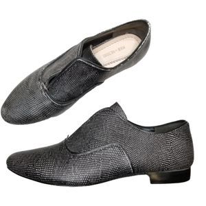 Pour La Victoire Moem Laceless Oxford Shoe